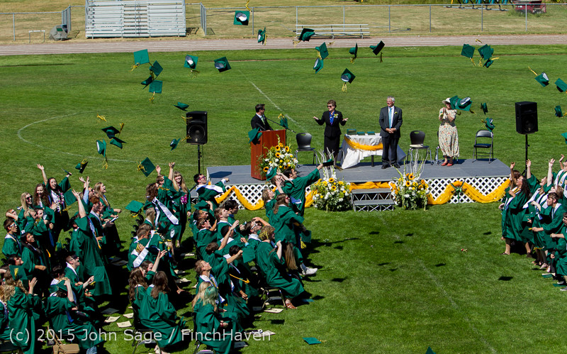 7842_Vashon_Island_High_School_Graduation_2015_061315