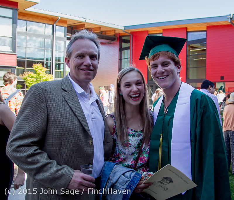 8018_Vashon_Island_High_School_Graduation_2015_061315