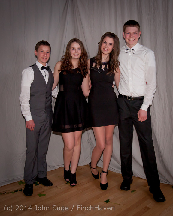 5461_Vashon_Island_High_School_Tolo_Dance_2014_031514