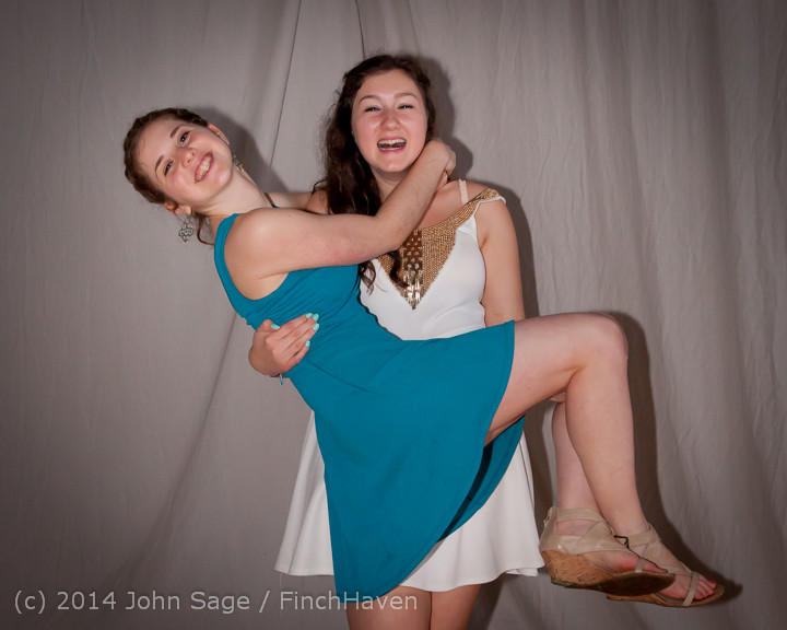 5467-b_Vashon_Island_High_School_Tolo_Dance_2014_031514