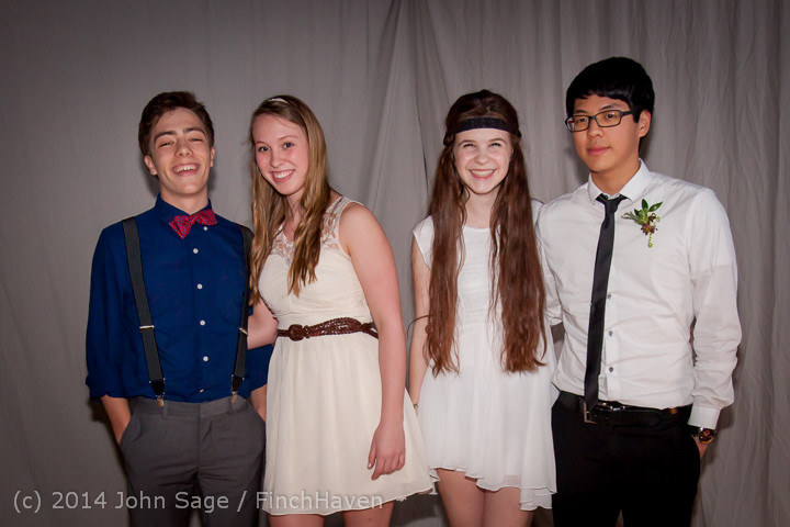 5503-b_Vashon_Island_High_School_Tolo_Dance_2014_031514