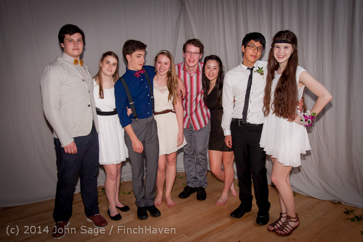 5533_Vashon_Island_High_School_Tolo_Dance_2014_031514