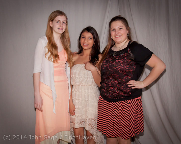 5548-b_Vashon_Island_High_School_Tolo_Dance_2014_031514