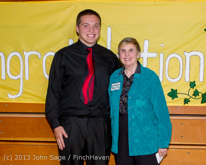 0271-b Vashon Community Scholarship Foundation Awards 2013 052913