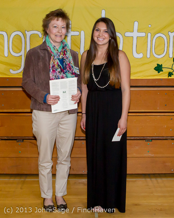 0287-a Vashon Community Scholarship Foundation Awards 2013 052913