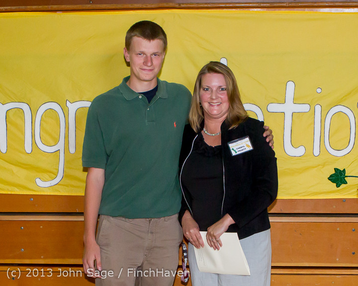 0293-b Vashon Community Scholarship Foundation Awards 2013 052913