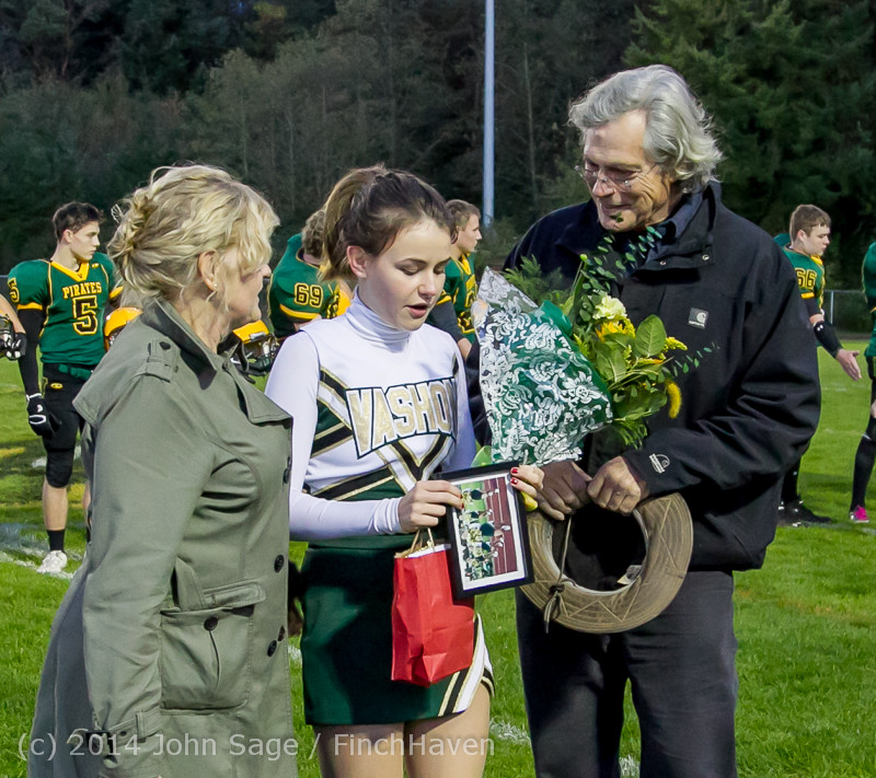 3905-a_VHS_Football_Fall_Cheer_Seniors_Night_2014_103114