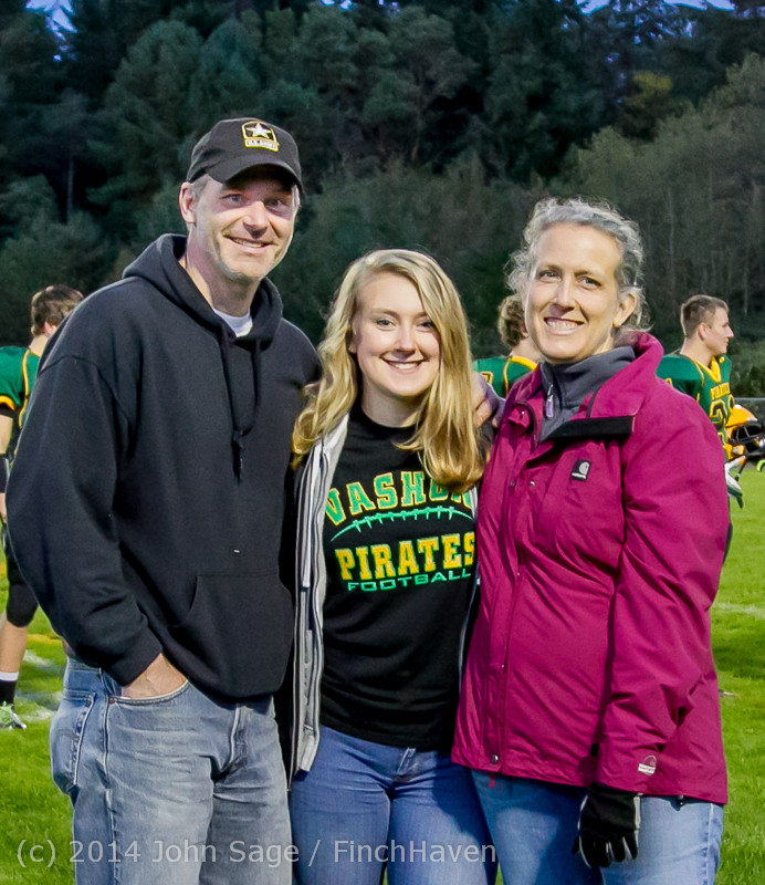 4098-a VHS Football Fall Cheer Seniors Night 2014 103114