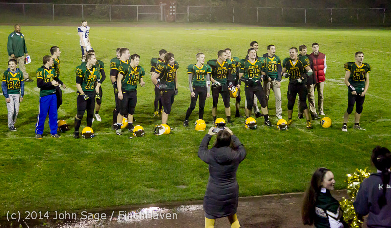 9294 Victory Celebration Football v Chimacum 103114
