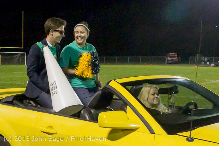 22984 VHS Homecoming Court 2013 101113