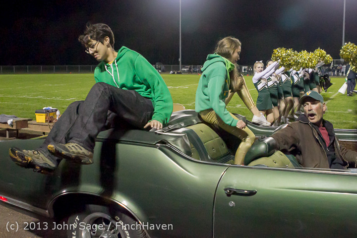 23027_VHS_Homecoming_Court_2013_101113