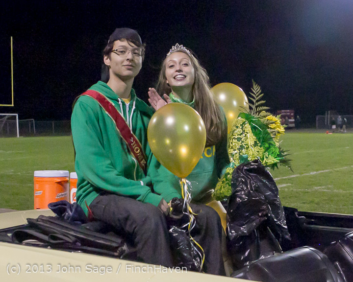 23327_VHS_Homecoming_Court_2013_101113