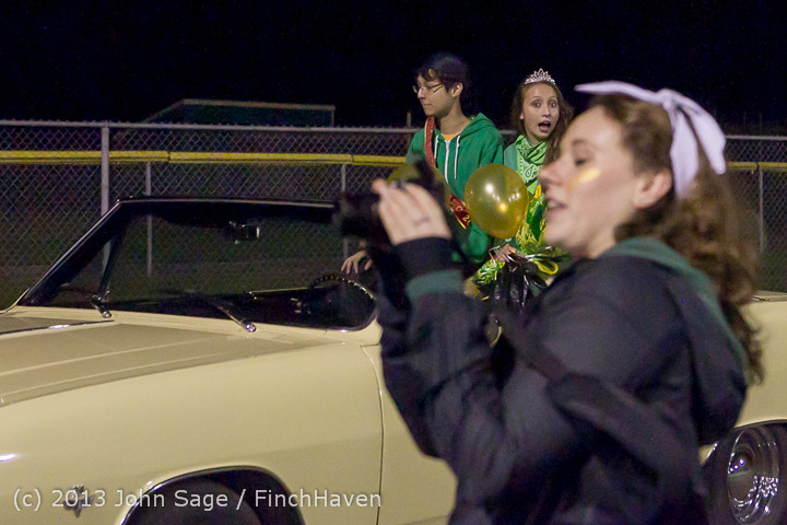 23389 VHS Homecoming Court 2013 101113