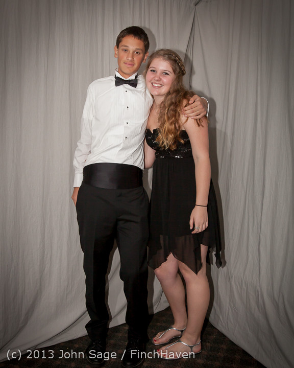 8275-a VHS Homecoming Dance 2013 101213