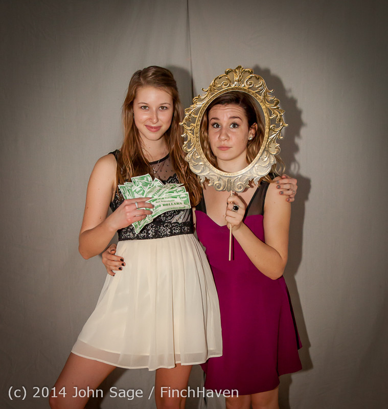 9276-a_VHS_Homecoming_Dance_2014_102514