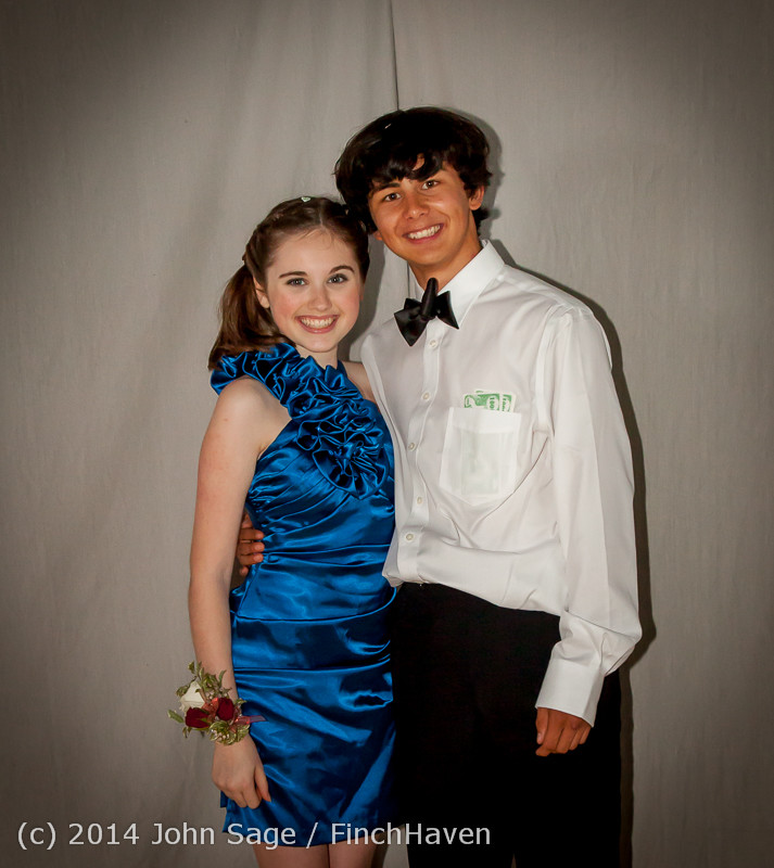 9320-a VHS Homecoming Dance 2014 102514