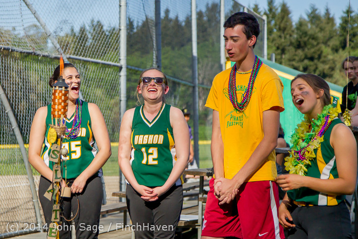 5176 VHS Softball Seniors Night 2014 051414