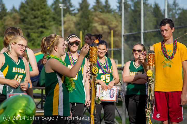 5252 VHS Softball Seniors Night 2014 051414