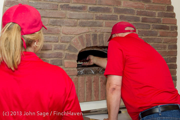 0500 Saucy Sisters Pizza Opening 050813