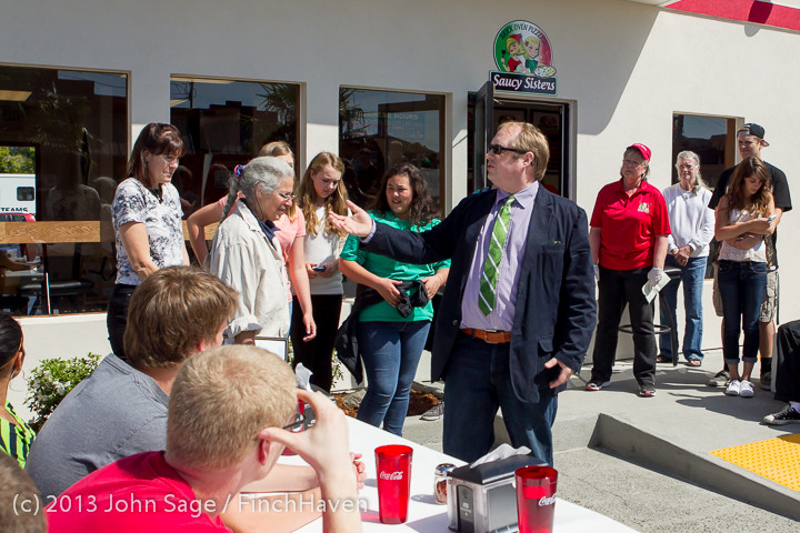 0525 Saucy Sisters Pizza Opening 050813