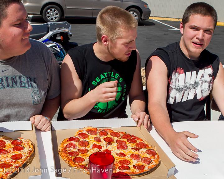 0635 Saucy Sisters Pizza Opening 050813