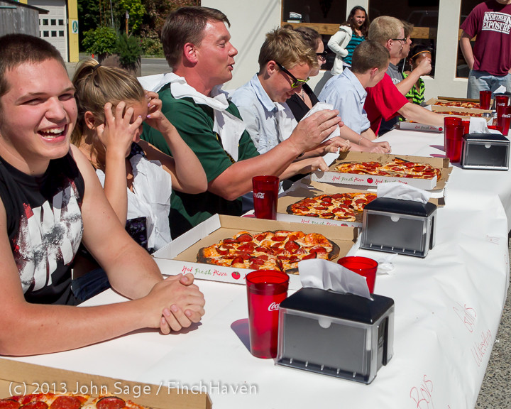 0648_Saucy_Sisters_Pizza_Opening_050813