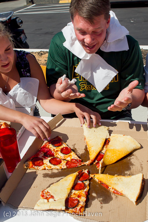 0656_Saucy_Sisters_Pizza_Opening_050813