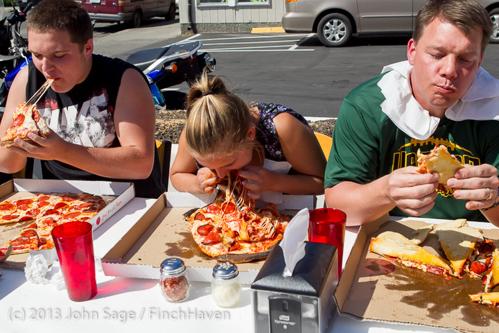 0694 Saucy Sisters Pizza Opening 050813