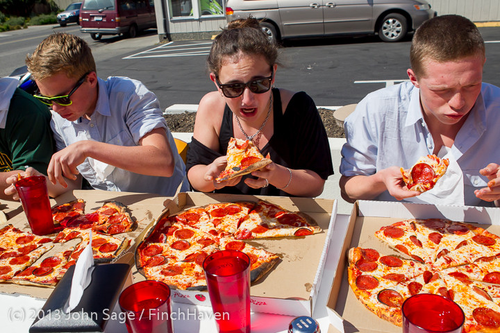 0697_Saucy_Sisters_Pizza_Opening_050813