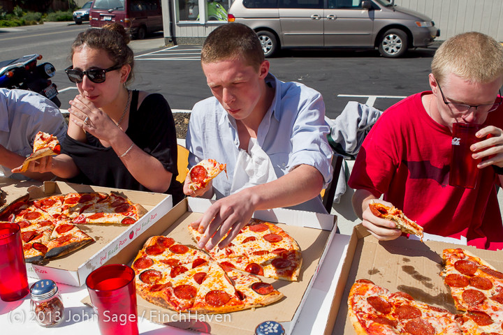 0698 Saucy Sisters Pizza Opening 050813