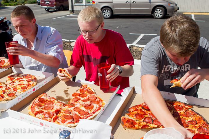 0699 Saucy Sisters Pizza Opening 050813