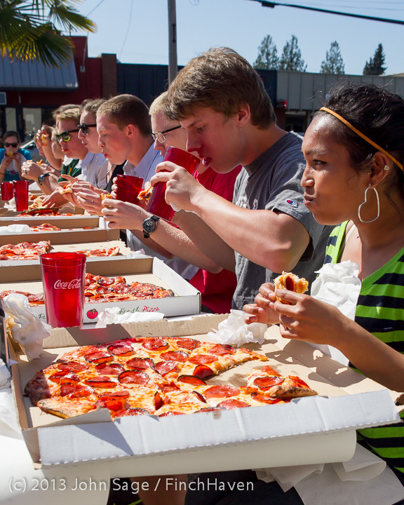 0737_Saucy_Sisters_Pizza_Opening_050813
