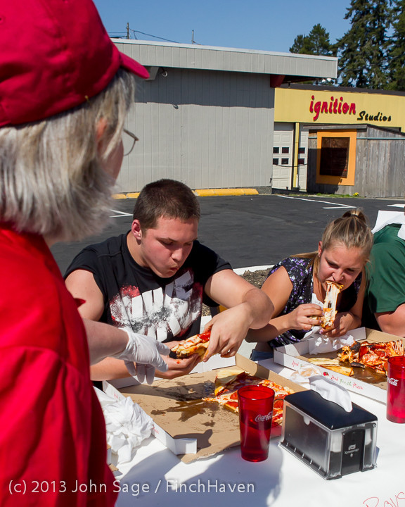 0750_Saucy_Sisters_Pizza_Opening_050813