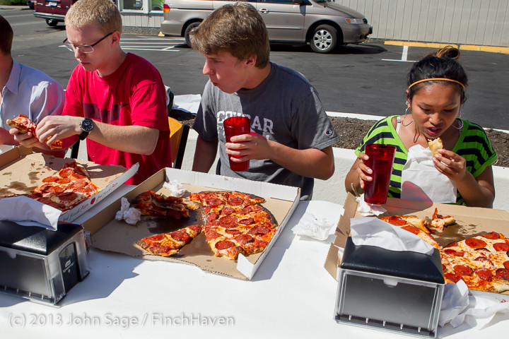 0782 Saucy Sisters Pizza Opening 050813