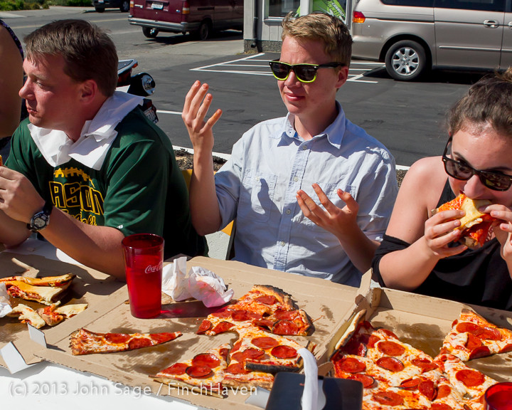 0835 Saucy Sisters Pizza Opening 050813