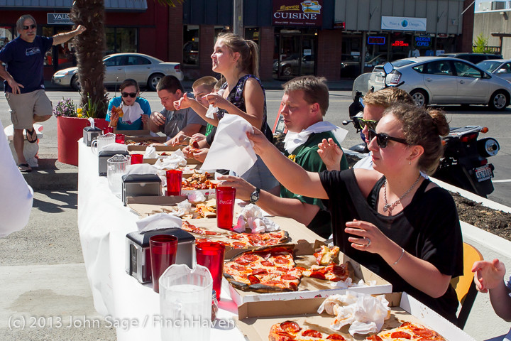 0849 Saucy Sisters Pizza Opening 050813