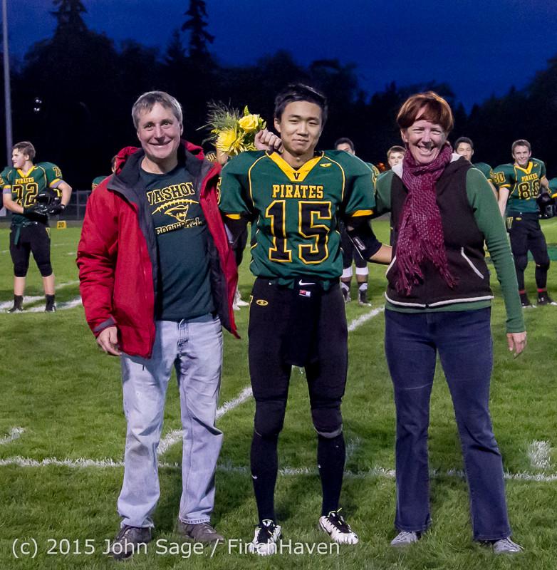 21194 VIHS Fall Cheer Football Seniors Night 2015 101615