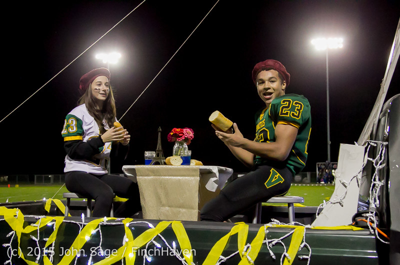 23053 VIHS Homecoming Court and Parade 2015 101615