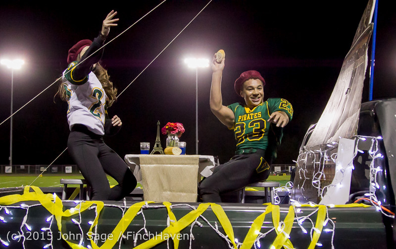 23059 VIHS Homecoming Court and Parade 2015 101615