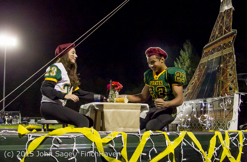 23068 VIHS Homecoming Court and Parade 2015 101615