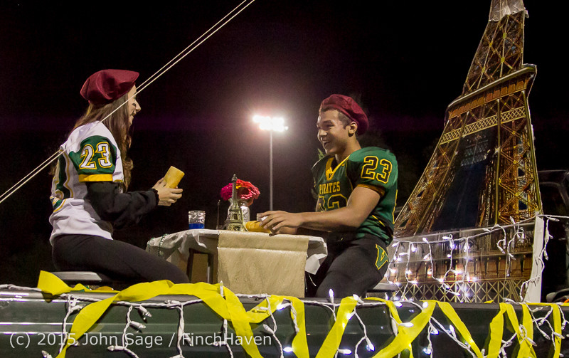 23071 VIHS Homecoming Court and Parade 2015 101615