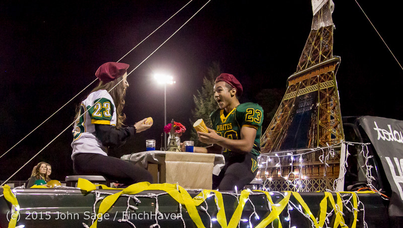 23078 VIHS Homecoming Court and Parade 2015 101615