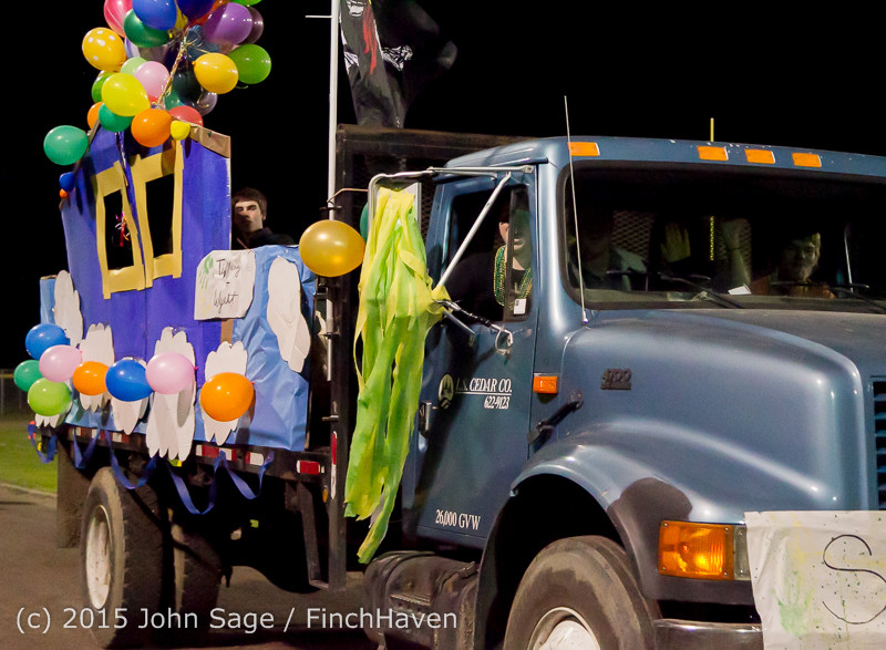 23124 VIHS Homecoming Court and Parade 2015 101615