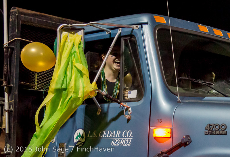 23133 VIHS Homecoming Court and Parade 2015 101615