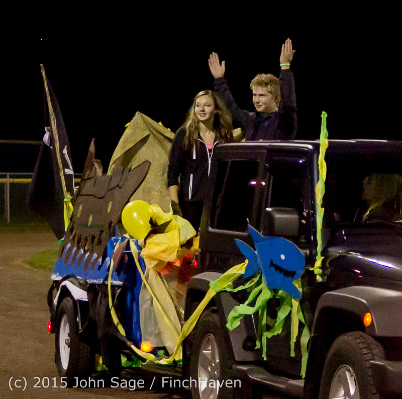 23208 VIHS Homecoming Court and Parade 2015 101615