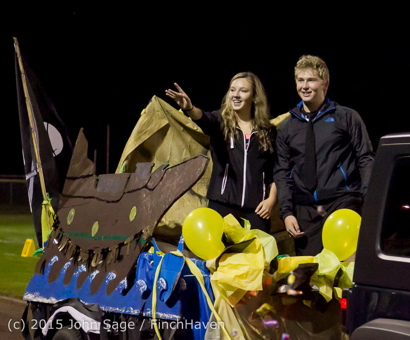 23225 VIHS Homecoming Court and Parade 2015 101615