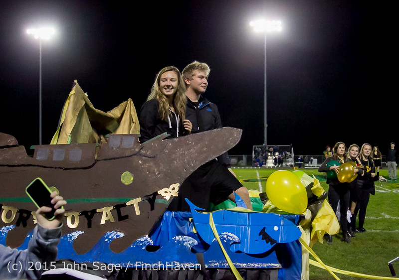 23263 VIHS Homecoming Court and Parade 2015 101615