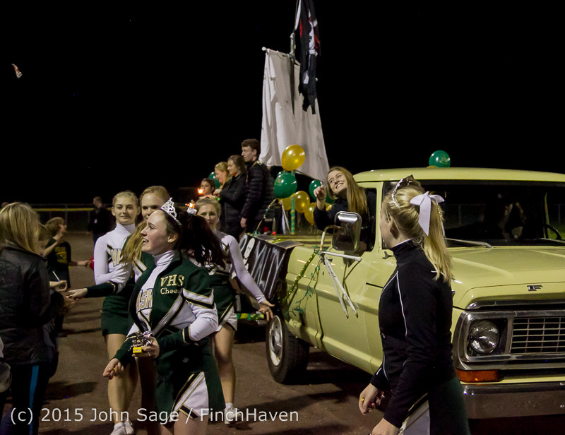 23364 VIHS Homecoming Court and Parade 2015 101615