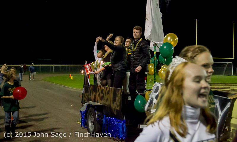 23376 VIHS Homecoming Court and Parade 2015 101615