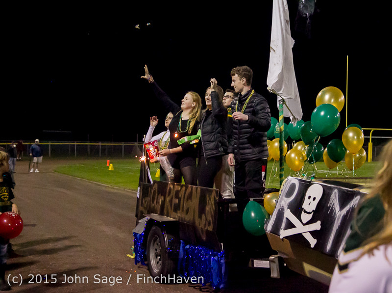 23379 VIHS Homecoming Court and Parade 2015 101615